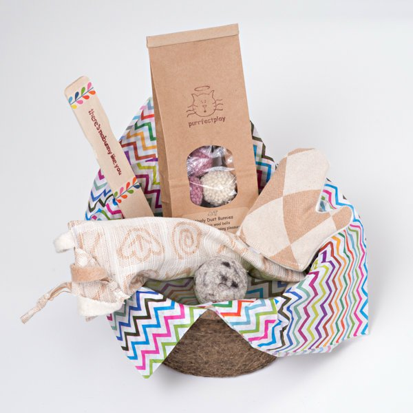 Charming springeaster gifts for your cat organic natural cat toys spring gifts baskets negle Image collections